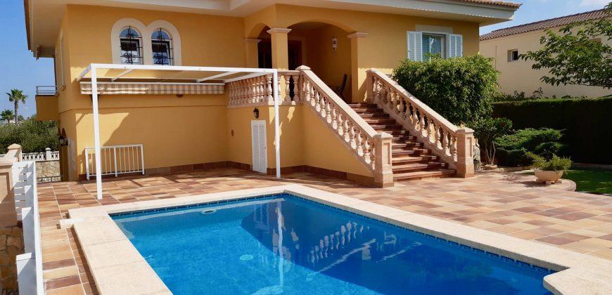 Villa with Spectacular Sea Views