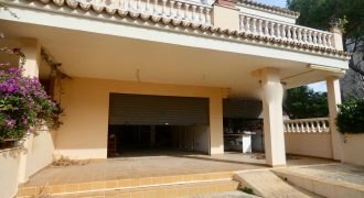House with Two Commercial Premises in Playa de Palma
