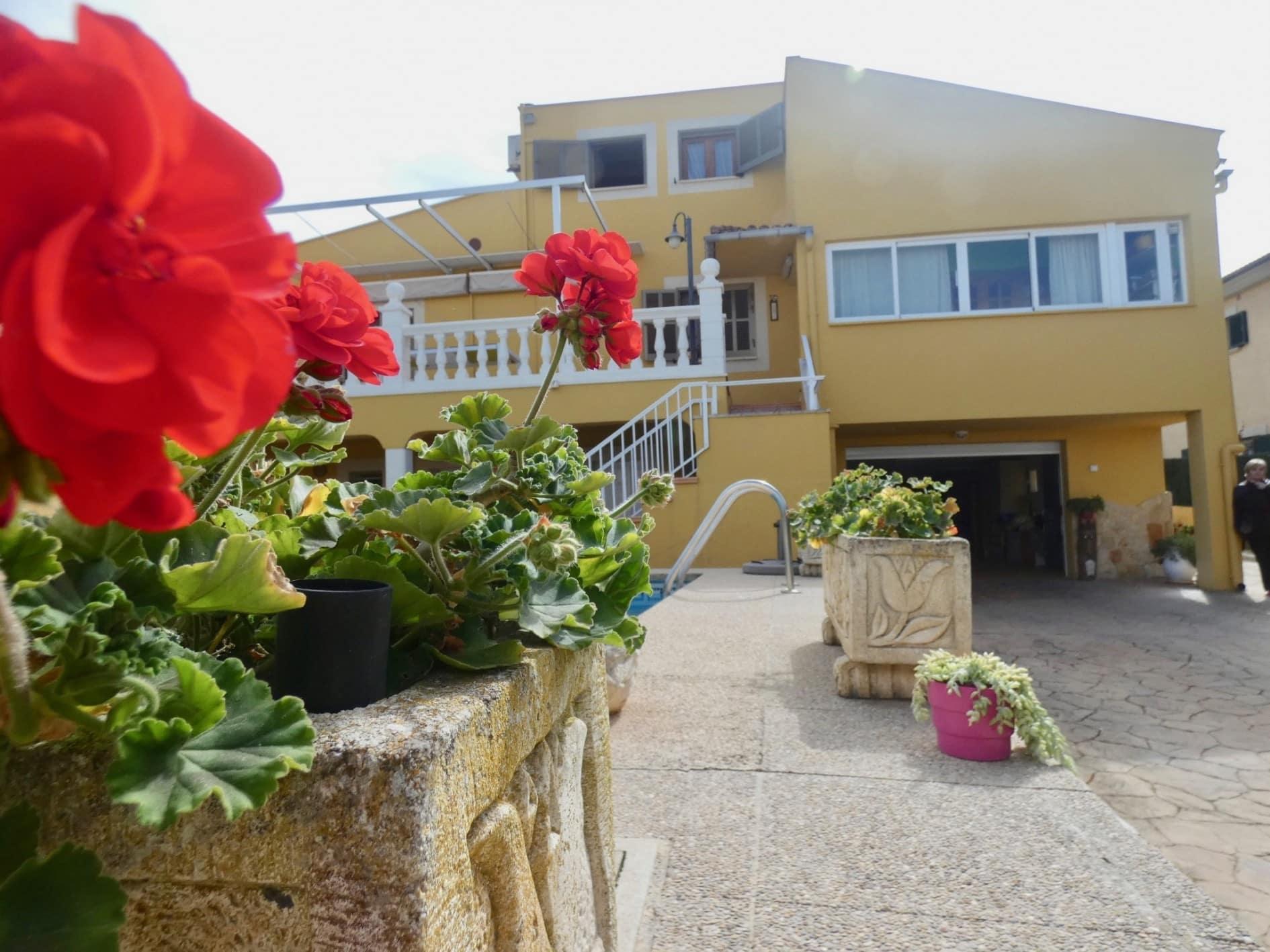 Bonita Casa con Piscina en Bahía Azul