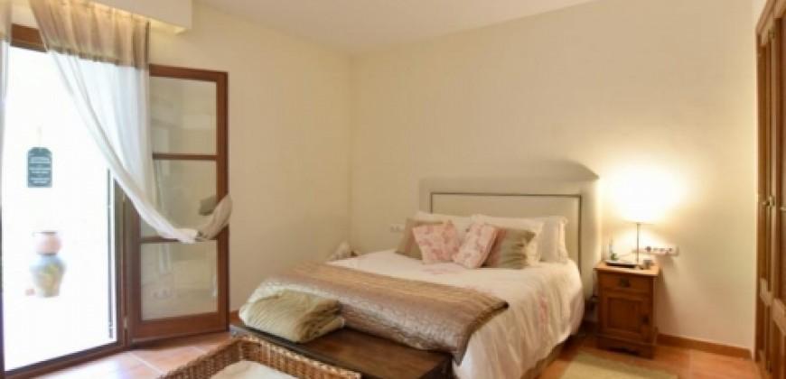 Preciosa Casa con Jacuzzi en Bendinat