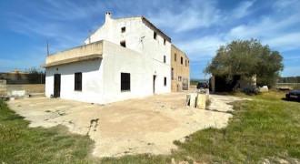 Casa Pareada Rústica con Gran Parcela en Sant Jordi