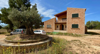 Rustic House Made of Mallorcan Stone in Llucmajor