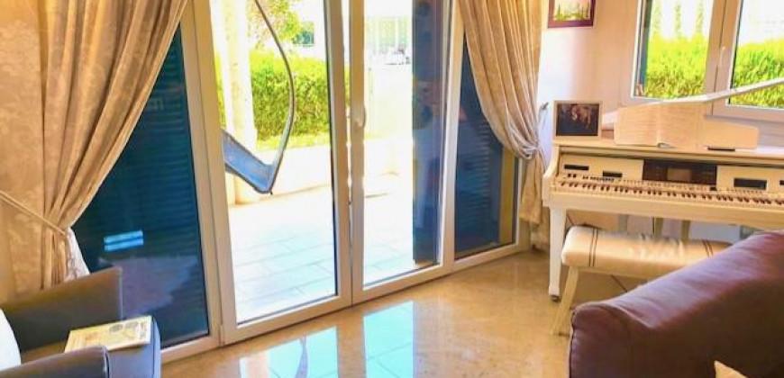 Chalet Pareado en una Ubicación Privilegiada – Puig de Ros